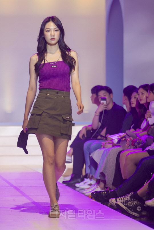 [포토]비비드 색감 돋보이는 `오이오이` 패션쇼